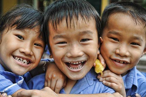 smiling children vietnam